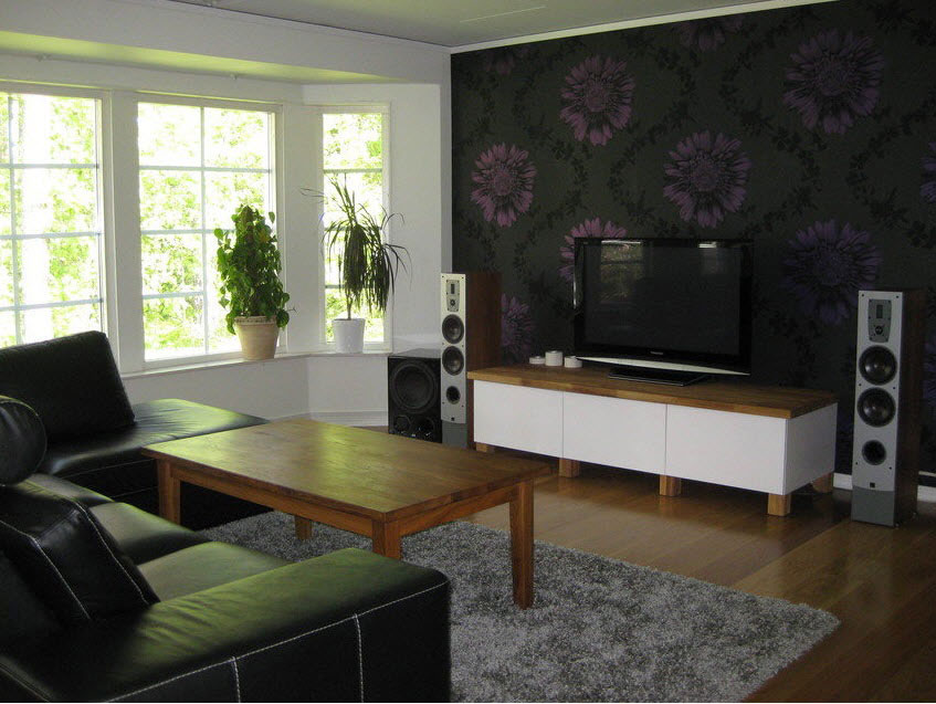 Painter and decorator in watford hemel hempstead watford for Feature wall wallpaper living room